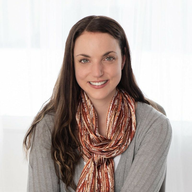 Danielle Lithwick, therapist in Ottawa, ON and author of eating disorder, intuitive eating, health-at-every-size, and body acceptance blog.